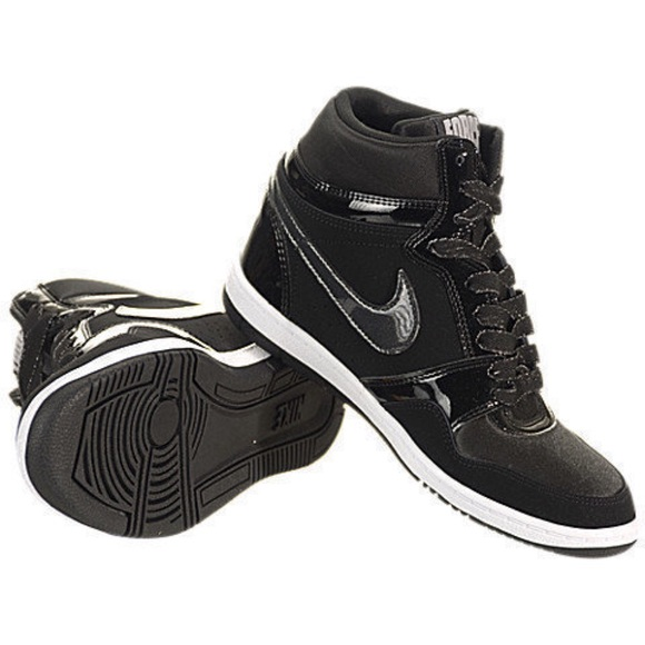 d01ad7b25368b •NIKE• Force Sky High Sneaker Wedge. M_5b4a120d409c1522df983d8d